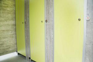 Toilettenwagen VIP Damentoilette Türdekor